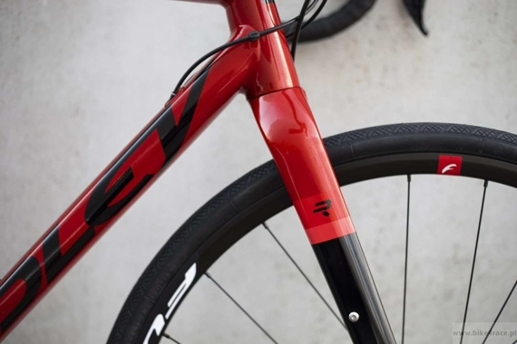 Gravel bicycle RIDLEY KANZO A - Apex1 Mechanical Disc – color KAA-01BS (Candy Red Metallic-Black)