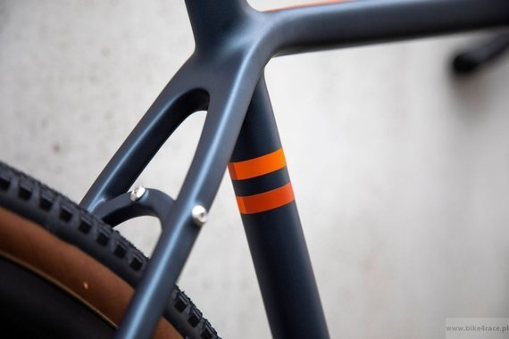 Gravel bicycle RIDLEY KANZO ADVENTURE - Rival1 - color KAC-02AM (Blue Metallic-Orange)