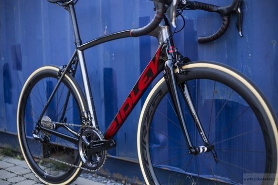 Road bicycle RIDLEY FENIX SL - Ultegra Di2 - color FSL-08AS (Black-Anthracite-Red Metallic)