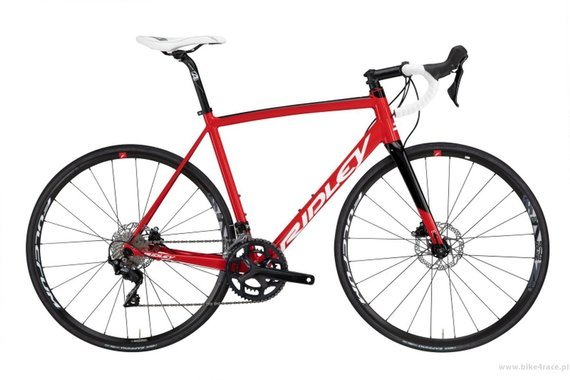 Road bicycle RIDLEY FENIX SLA DISC - 105 Hydraulic Disc – color FAD-01AS (Red-White-Black)