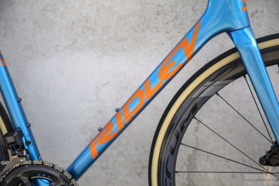 Road bicycle RIDLEY HELIUM SLX DISC - Ultegra – color HXD-04BS (Blue Metallic-Belgian Blue-Rich Orange Metallic)