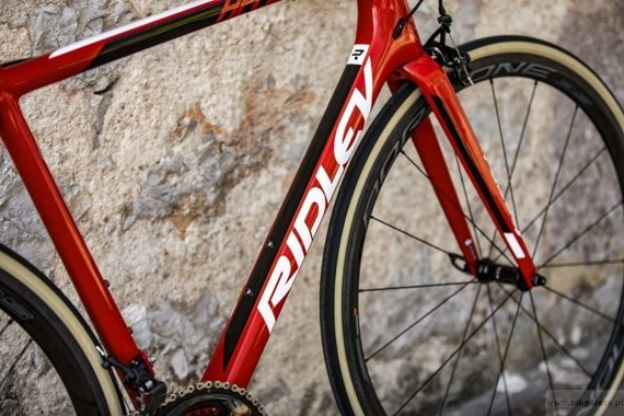 Road bicycle RIDLEY HELIUM SLX - Ultegra - color R-HSLX-09AS (Lotto-Soudal Team Replica)