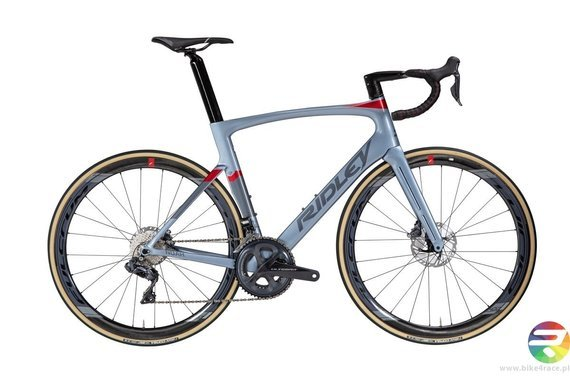 Road bicycle RIDLEY NOAH DISC AERO+ - Ultegra - color NOD-02AS (Light Silver Blue-Dark Silver Blue-Red)