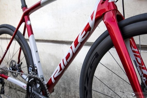 Road bicycle RIDLEY ORION DISC - Ultegra Hydraulic Disc  – color ORI-01AS (Battleship Grey-Candy Red Metallic)