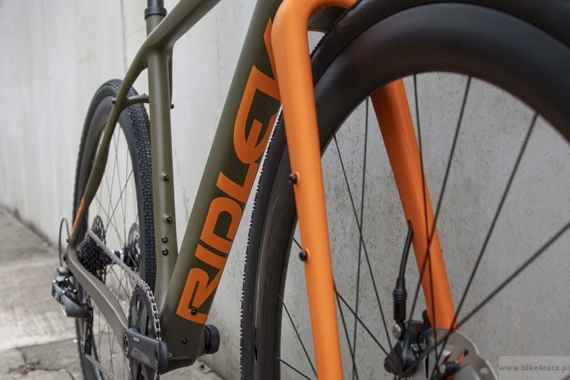 Rower gravel RIDLEY KANZO C ADVENTURE - Rival1 Hydraulic Disc – kolor KAC-01AM (Camo Green-Orange)