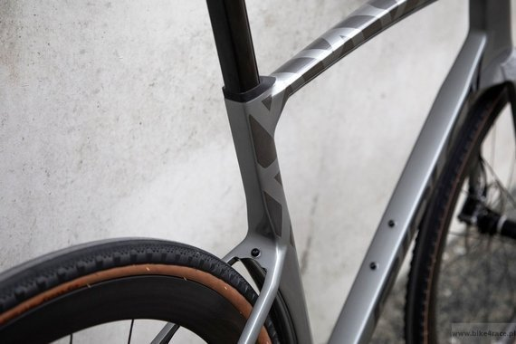 Rower gravel RIDLEY KANZO FAST - Campagnolo Ekar 1x13s Hydraulic Disc – kolor KAF-01BS (Anthracite Metallic-Empress Grey Metallic)