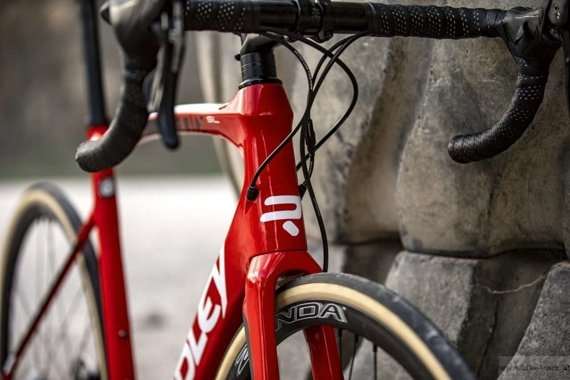 Rower szosowy RIDLEY FENIX SL DISC - Ultegra Hydraulic Disc  – kolor R-FSD-09AS (Lotto-Soudal Team Replica)